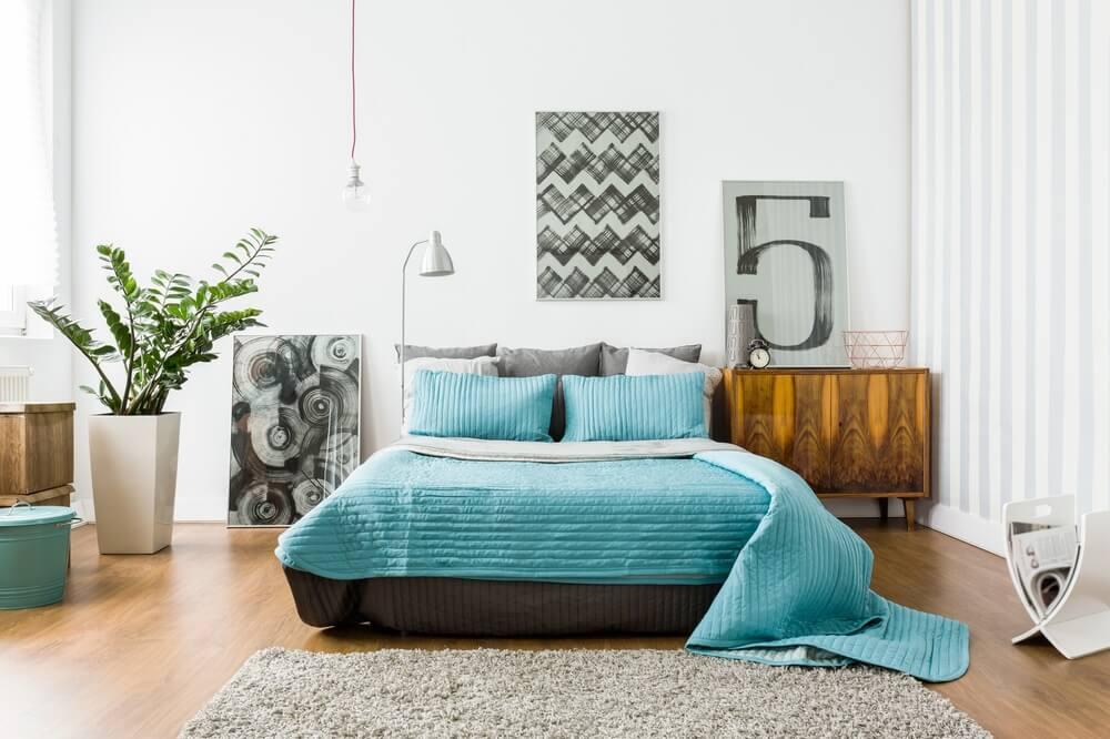 dekorasi kamar tidur sempit agar terlihat luas